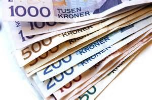 en bunke med norske sedler